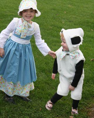Funny mary & lamb