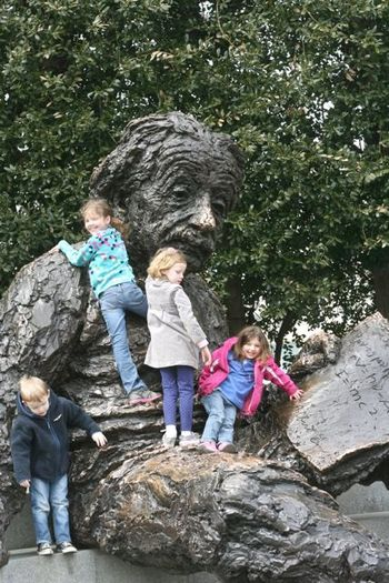 Kids on Einstein